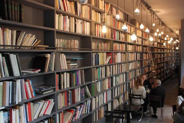 cafeteria-libreria-%22merci%22-en-paris