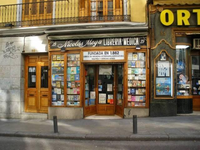 La librería Moya, en la calle Carretas de Madrid, ostenta el privilegio de ser la más antigua de la ciudad.