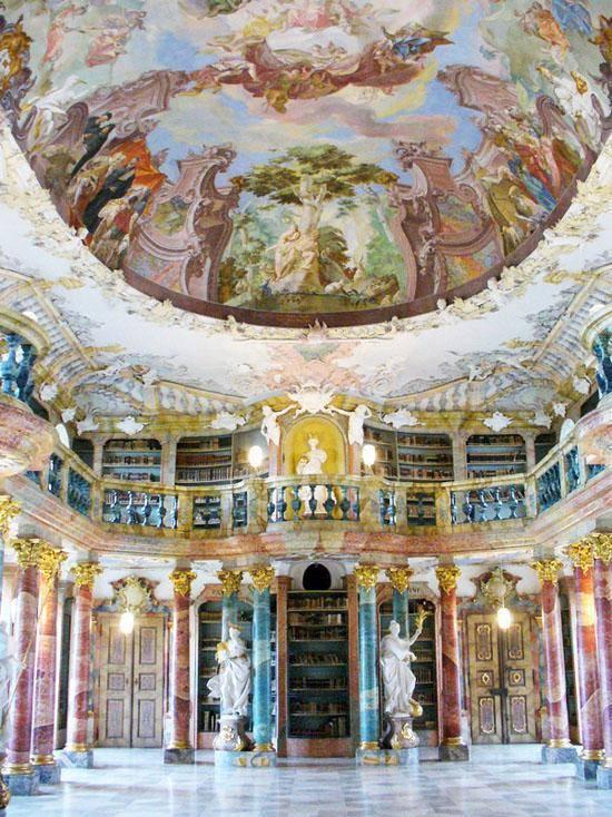 Biblioteca del Monasterio Wiblingen (Ulm-Alemania)