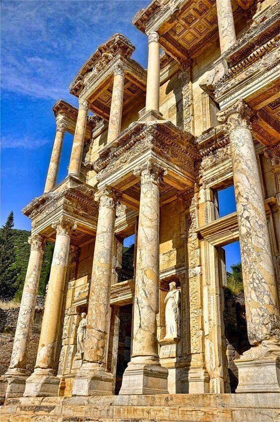 Antigua biblioteca de Celso (Éfeso, Turquía)