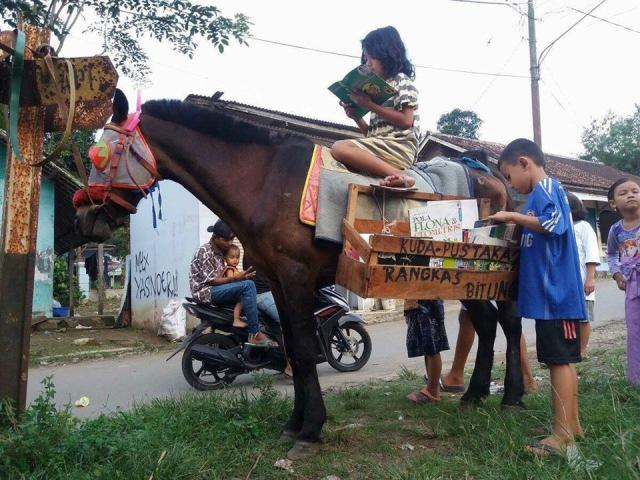 Bibliocaballo en Java (Indonesia)
