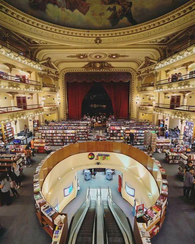 Biblioteca de El Ateneo. Buenos Aires