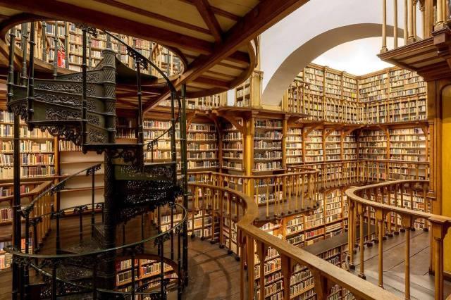Biblioteca de La Abadía de Santa María Laach, Renania-Palatinado. Alemania. 1