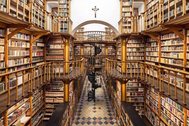 Biblioteca de La Abadía de Santa María Laach, Renania-Palatinado. Alemania. 2