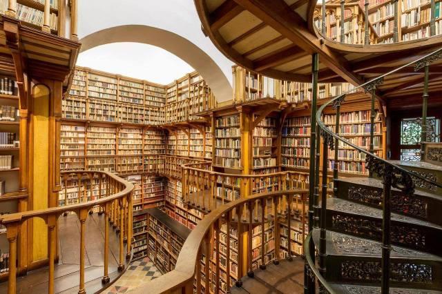 Biblioteca de La Abadía de Santa María Laach, Renania-Palatinado. Alemania. 4