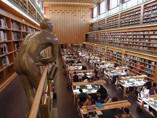 Biblioteca de la universidad de Las Palmas de Gran Canaria (España)