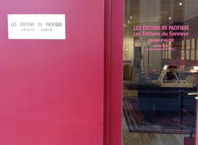 Librería de Les Editions du Pacifique de París.1