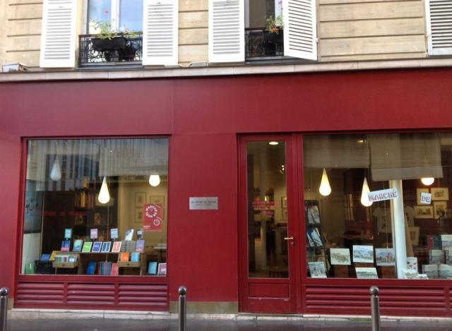 Librería de Les Editions du Pacifique de París.2